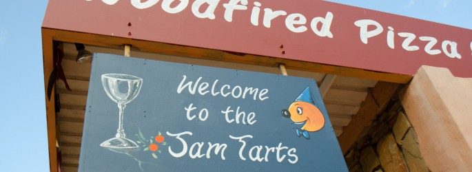 Jam Tarts: A colourful and appetising cafe and restaurant right on the Route 62
