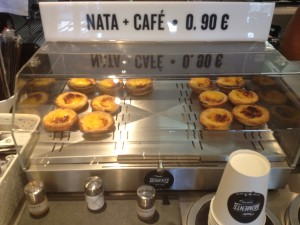 Pasteis de nata and coffee