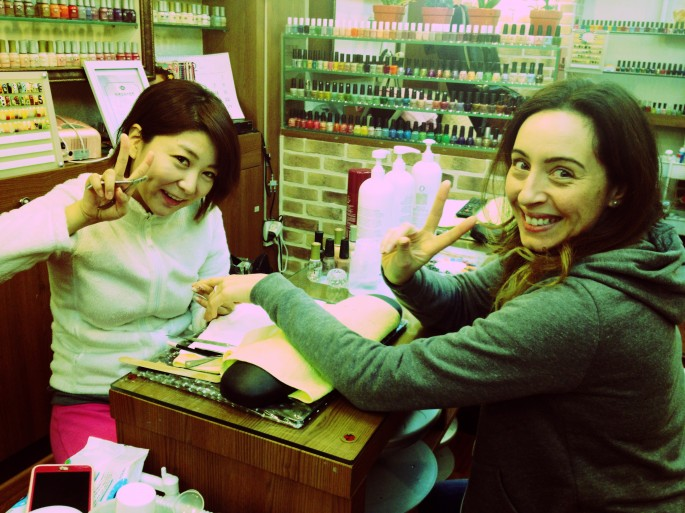 Getting my Kawaii mani in Seoul