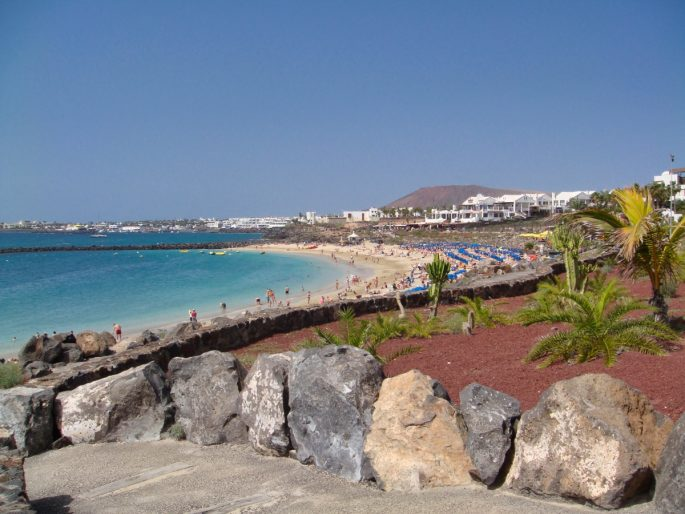 Places in LanzArote: Playa Blanca Beach