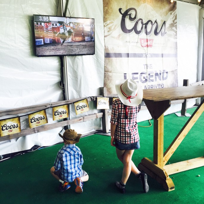 kids at Cloverdale Rodeo