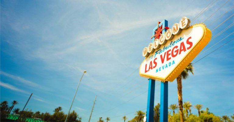 Hotwire Hotels Will Pay For Your Luxury Stay In Vegas