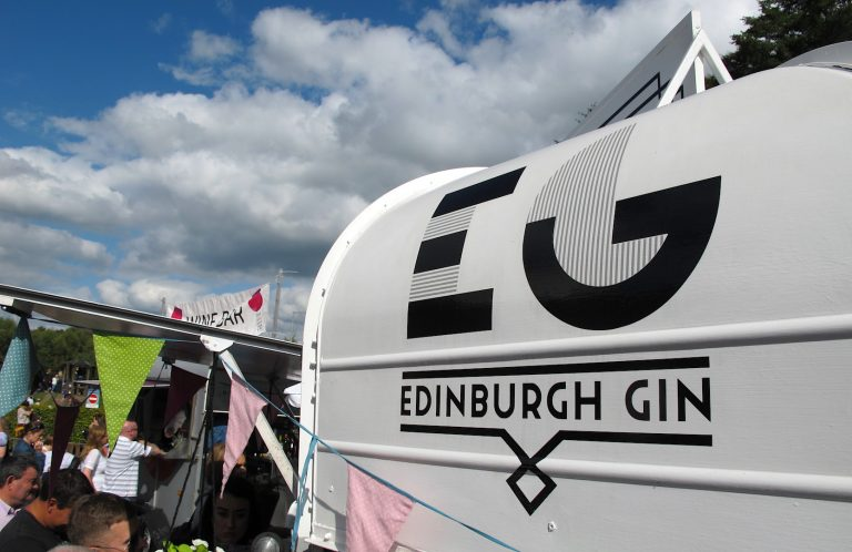 Edinburgh VS Glasgow: At-A-Glance Guide To The Contrasting Scottish Cities