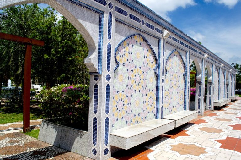 In Photos: Brunei's Beautiful Jame Asr Hassanil Bolkiah Mosque