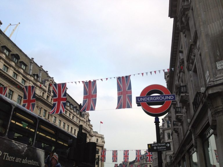 cool souvenirs in London